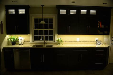 Kitchen Cabinet Lighting Using Warm White Led Strip Lights Warm White Cabinet Lighting
