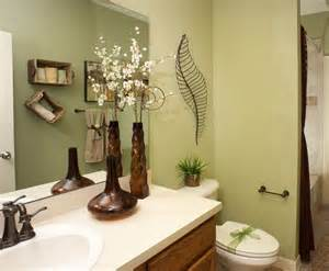 Decorating Bathroom Ideas On A Budget flower vases and wired craft for bathroom decorating ideas on a budget