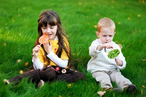 wallpaper of girl and boy together pic funny pictures funny baby picture