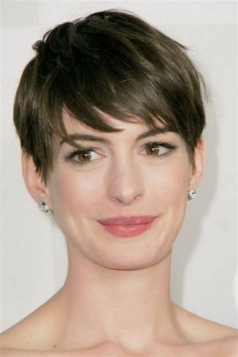 womens hairstyle covers half of her face 1000 ideas about cool short hairstyles on pinterest