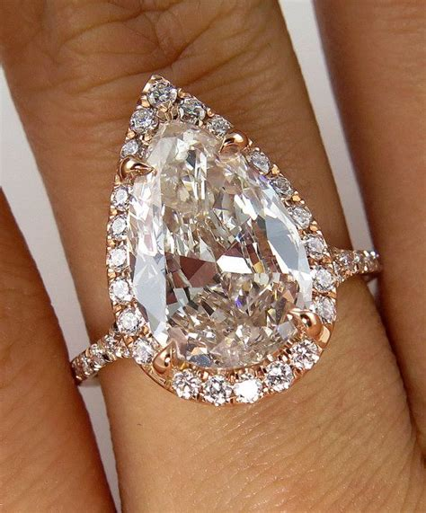 guide to buying a pear cut engagement rings