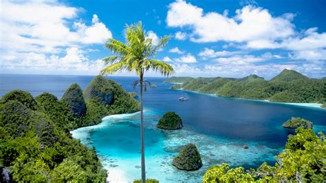 raja ampat islands west papua timur indonesia beautiful