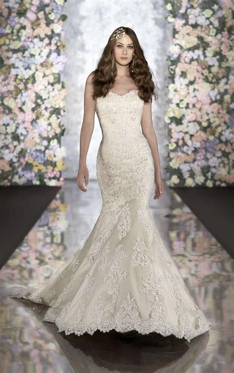 vintage lace trumpet wedding dress martina liana wedding