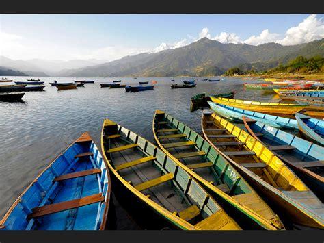 les barques les barques de pokhara geo fr
