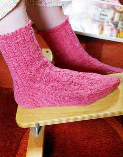 knitting pattern for socks using circular needles 12 sock knitting patterns for beginners using circular