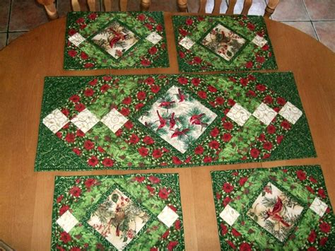 pattern for xmas table runner christmas table runner and mats pattern