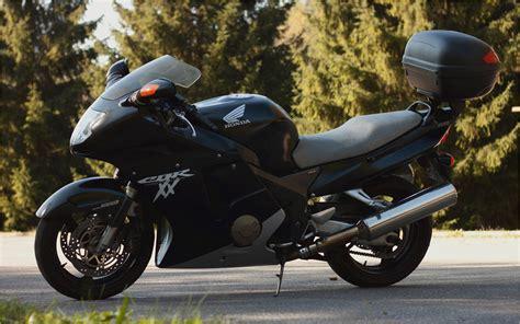 honda cbr 1100 xx 1996 2007 honda cbr 1100 xx super blackbird motorcycle