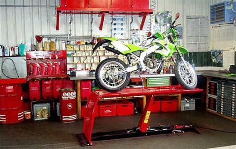 werkstatt modern werkstatt heher sch 252 pfer blick motos eingerichtete kawasaki