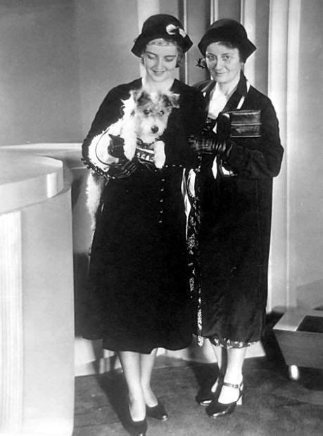 bette davis mother bette davis with mother ruth and dog in tow arrives in