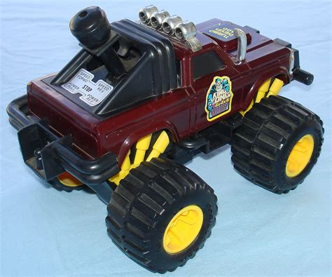 monster truck videos toys lanard toys 1984 king kong 4x4x6 battery operated turbo