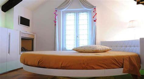 suite con camino e idromassaggio minipiscina idromassaggio in luxury suite con