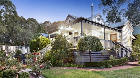 Cottage Offers by Mitcham Cottage Offers Large And Leafy Scenic Suburban