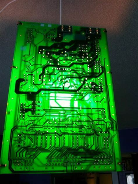 how to make a circuit board with light bulb how to make geektastic pendant lights from circuit boards