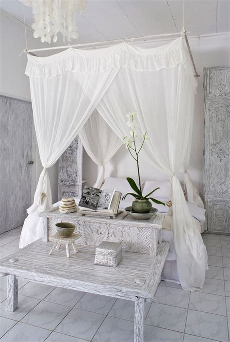how to decorate a canopy bed dreamy canopy bed projects decorating your small space