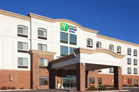 Hotels In Cheyenne Wy With Tub inn express hotel suites cheyenne wy aaa