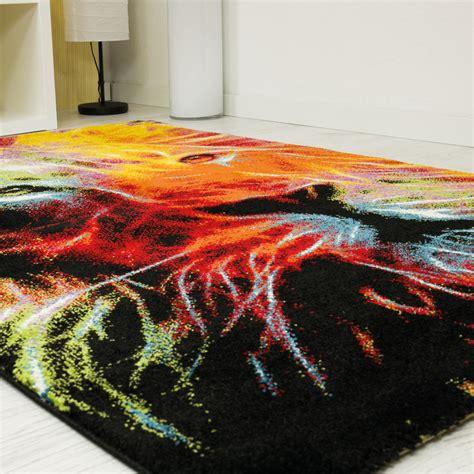 teppiche mit trendiger designer teppich mit l 246 wenkopf muster bunt ci013