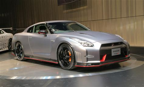 nissan gtr skyline 2015 car and driver