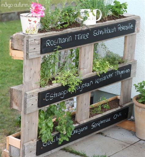paletten ideen garten gardening kleinen stadtgarten sch 246 n gestalten ideen