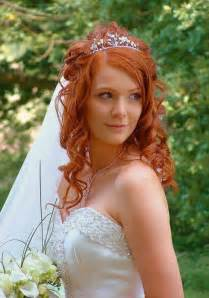 wedding hairstyles for curly hair 25 fantastic wedding hairstyles for curly hair creativefan