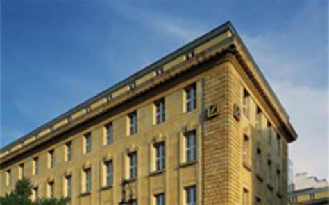 deutsche bank öffnungszeiten berlin deutsche bank closes joint exhibition space with
