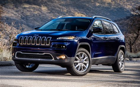 first jeep first look 2014 jeep cherokee new cars reviews
