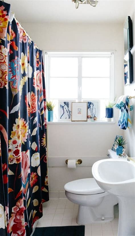 Overhaul Your Image Instantly by 20 Reversible Ideas To Overhaul Your Rental Bathroom Now