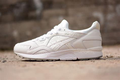 Harga Sepatu Asics Dynamic Duomax asics gel lyte v white mayberryfarm nu