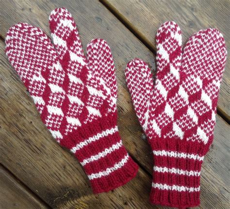knitting pattern newfoundland mittens 26 best newfoundland mittens images on pinterest knit