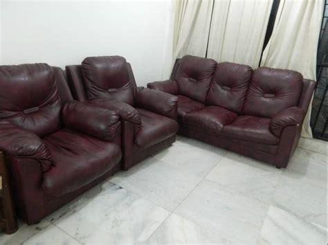 Living Set Syntetic Mumbai maroon color leatherite sofa set 3 1 1 in
