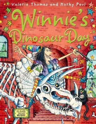 winnies dinosaur day 0192794035 winnie s dinosaur day by valerie thomas buy books at lovereading4kids co uk