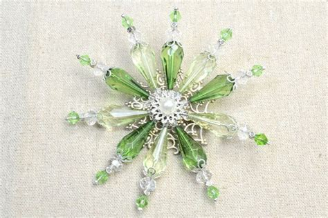 how to make a beaded snowflake 17 best images about diy brooch on leaf