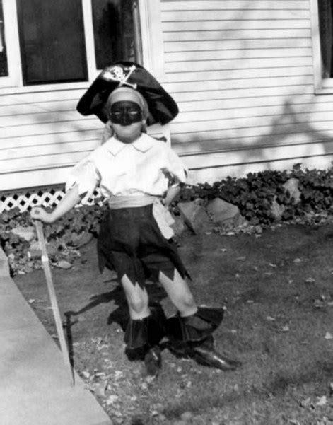 A Nostalgic Halloween: Trick or Treat - Vintage Photos