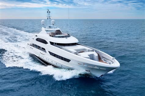 yacht yacht yacht motor yacht bookends by heesen yachts
