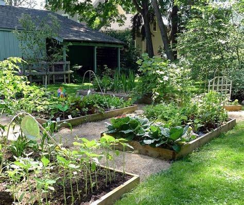 create  beautiful raised gardening bed global