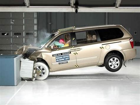 accident recorder 2006 kia sedona instrument cluster 2006 kia sedona moderate overlap iihs crash test youtube