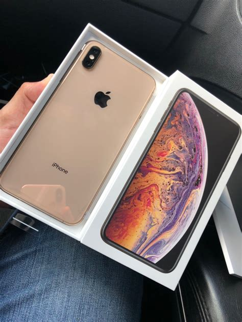 iphone xs max iphone xs max gold  hand macrumors forums