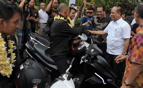 Kompor Listrik Di Bali tiba di bali skuter listrik gesits disambut menristek okezone news