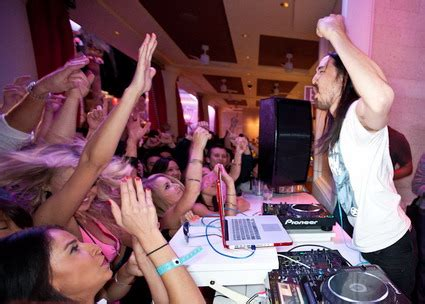steve aoki opening act dj steve aoki photos spinning at surrender nightclub