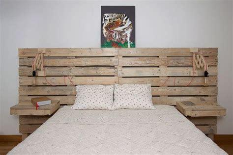cabecero  la cama de palets  mesitas incorporadas camas de palets cama  palets