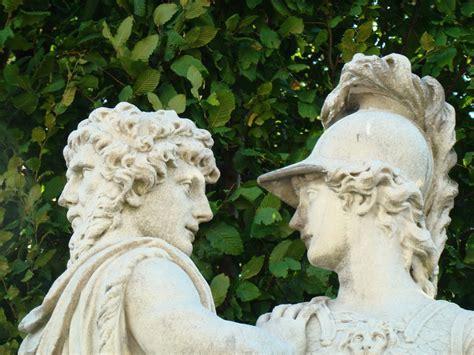 Greek God Statues janus bifrons the two headed god picture janus bifrons