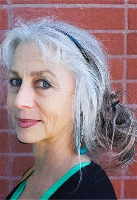 platinum hair on older women 3358 best images about silver hair on pinterest emmylou