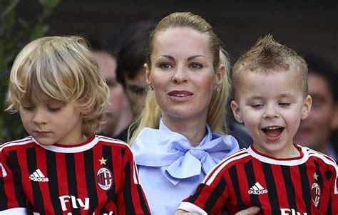 Zlatan Wedding Gift by Ac Milan V Genoa Cfc Serie A Heavy