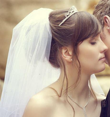 Brautfrisuren Schulterlanges Haar Mit Schleier by Brautfrisuren Mittellanges Haar Mit Schleier