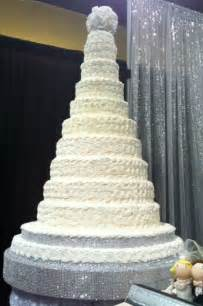 The best in custom wedding cakes come from kiss the cook cakes serving