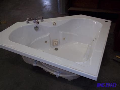 eljer bathtubs eljer jetted corner tub with faucet consigno