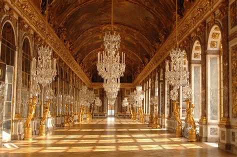 Versailles Bedroom Wallpaper Chateau De Versailles Palace Building Design