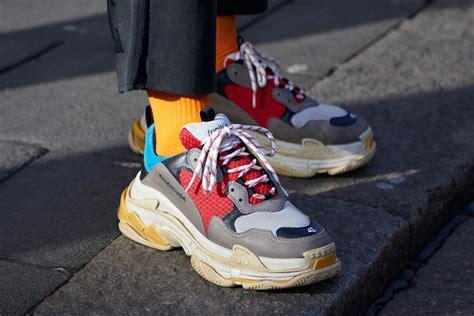 Fashion Sepatu Sneakers Model Baru trend baru meminjam sepatu ayah untuk fashion