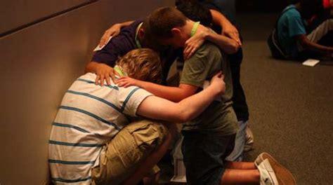 imagenes jovenes orando juventud cristiana se une en oraci 243 n p 250 blica por el pa 237 s