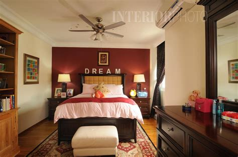 Maroon Bedroom Ideas by Thomson Ridge Interiorphoto Professional Photography