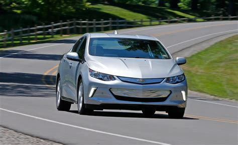 Chevrolet Volt 2020 by 2020 Chevrolet Volt Canada Review 2019 2020 Chevy